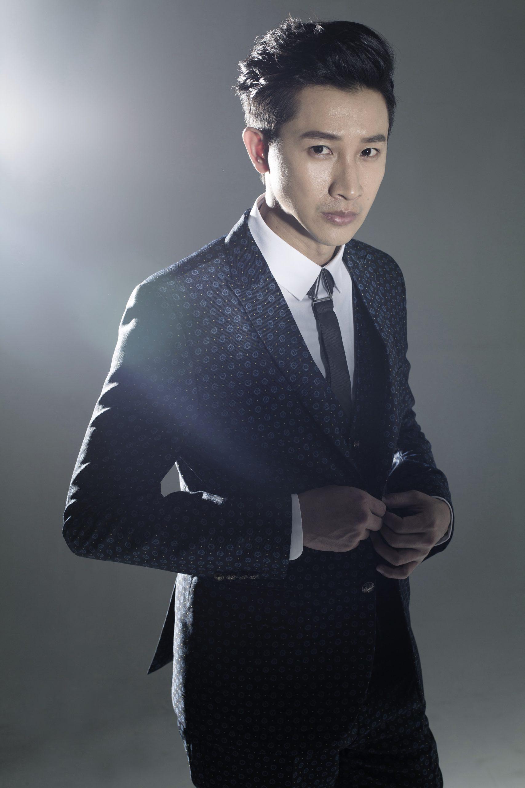 邱凯伟<br/>DARREN CHIU